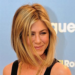 Jennifer Aniston - New Hair Cut