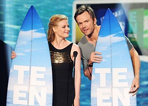 Gillian Jacobs and Joel McHale
