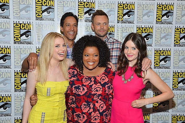 Gillian Jacobs, Danny Pudi, Yvette Nicole Brown, Joel McHale and Alison Brie