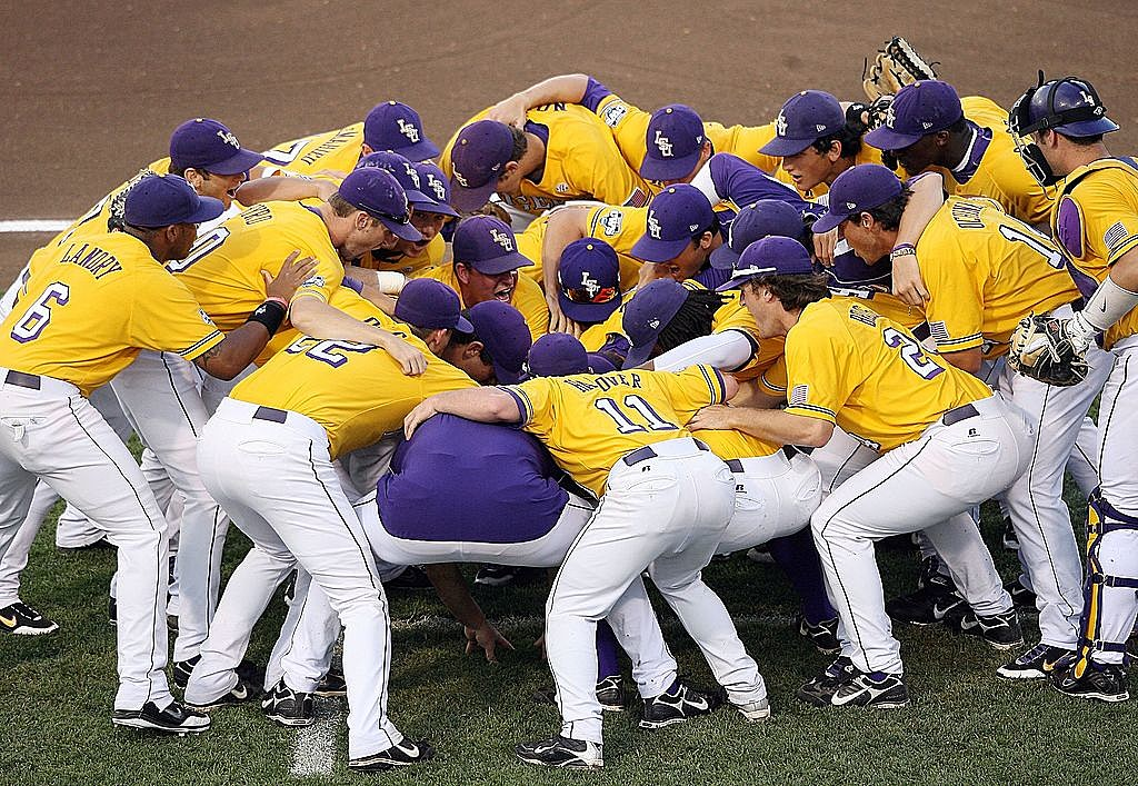 NCAA College World Series - LSU v Texas - Game Two
