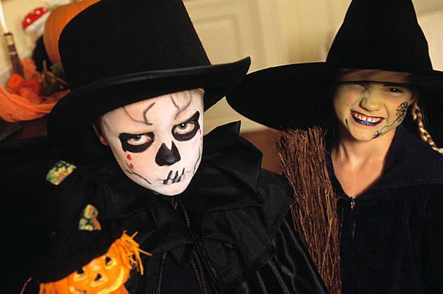 Halloween, two girls